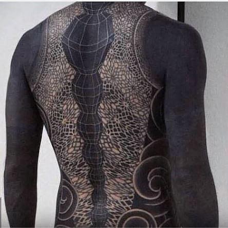 Nový trend ve zdobení těla: Krásné nebo zvrhlé?