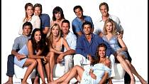Melrose Place - rok 2011 - Jamie Luner, Jack Wagner, Lisa Rinna, Thomas Calabro, Linden Ashby, Andrew Shue, Brooke Langton, Heather Locklear, Rob Estes, David Charvet, Alyssa Milano a Kelly Rutherford