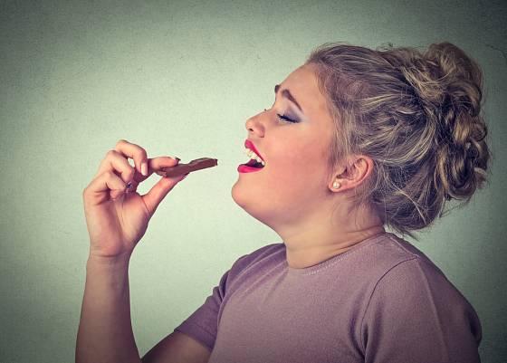Závislost na cukru je vážný problém, který by se neměl podceňovat. Je srovnatelná s jinými závislostmi - drogy, kouření, apod.