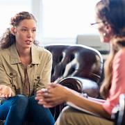 Je možné, že váš partner bude vůči terapii skeptický a sezení se odmítne účastnit.