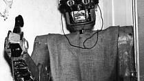 Telefonní robot měl ulehčit život zaměstnaným ženám v domácnosti.