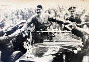 Adolf Hitler uměl působit na davy.