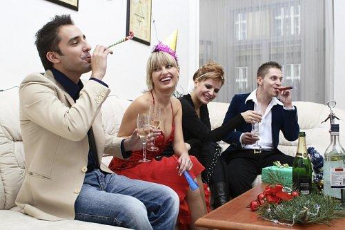 Jak sbalit chlapa na vánočním večírku