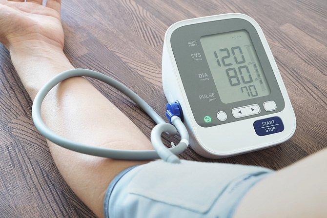 Ukázkový tlak 120/80 mm Hg má málokdo.