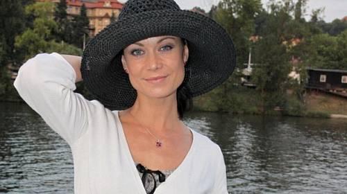 Herečka Šárka Ullrichová - Poslala ji role do léčebny?