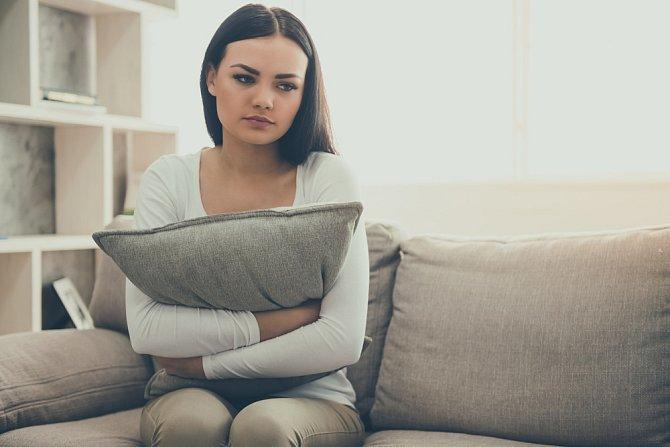 Je-li to nutné, navštivte terapeuta. Podívá se na situace z jiného úhlu a dost možná uleví vašemu trápení.
