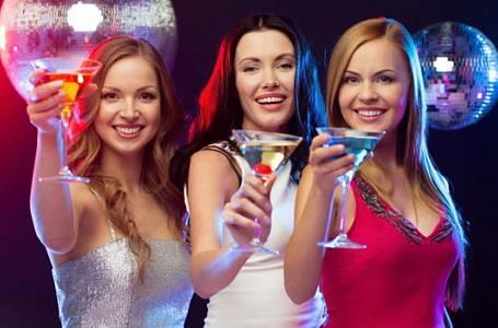 Namíchejte si koktejl: 3 recepty na Silvestrovské drinky