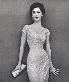 Dorothy Virgina Margaret Juba - výška: 172 cm, míry přes prsa: 83 cm, míry v pase: 48 cm, míry přes boky: 86 cm. Dorothy byla známá pod pseudonymem Dovina a byla v padesátých letech nejlépe placenou modelkou. Zemřela na rakovinu v 62 letech.