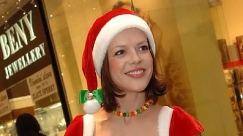 Andrea Kerestéšová veze domů dárečky pro 7 dětí!
