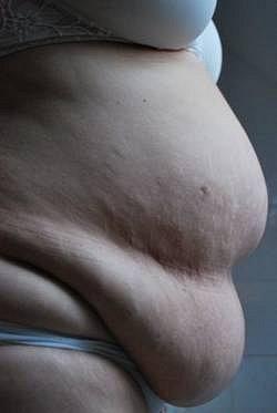 """Paní Jana: """"Z mého těla se po porodech stala zásobárna na tuky a z břicha příšera."""""""