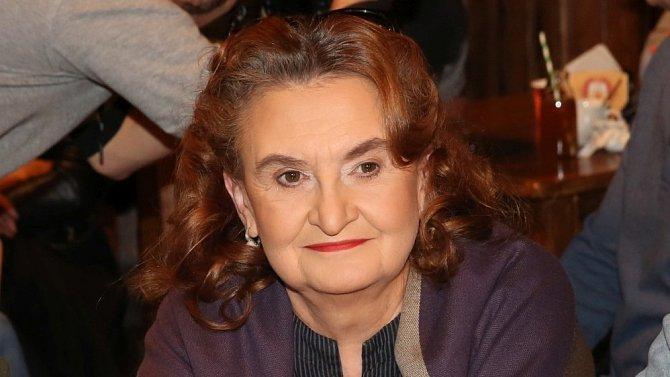 Eva Holubová se rozloučila se Slunečnou.