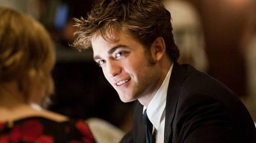 Krásný úpír Robert Pattinson přestal truchlit a začal randit