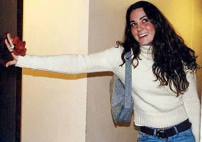 Kate při nástupu na universitu St. Andrews.