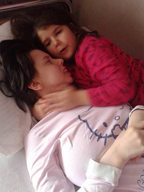 Až nadešel ten nádherný den, kdy mohla poprvé spatřit svou dcerku