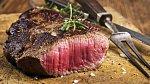 Co za jídlo si na schůzce nedávejte? Červené maso