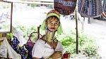 Severní Barma - Jistě jste někdy zaregistrovali barmské ženy, které praktikují pradávný zvyk, při kterém si od dětství protahují krk obručemi, které mají kolem něj obtočené. Nevěrná barmská žena je potrestána tak, že jí jsou ...
