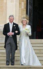 Camilla Parker při svatbě s princem Charlesem v roce 2005.