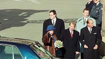 V letech 1995 a 1996 navštívila královna Alžběta II. se svým manželem Prahu a Brno.