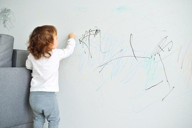 Ilustrační foto - Odstraní ze stěny malůvky