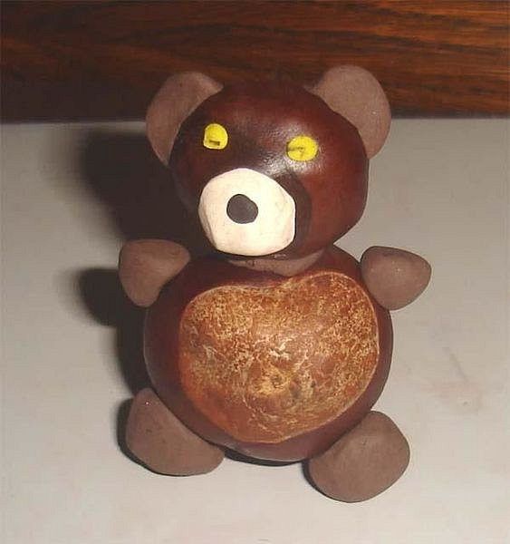 Medvídek z kaštanů pro každé dítko.
