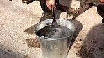 """Tohle je """"chuťovka""""! Ženy ve středověku věřily, že jim od nechtěného početí pomůže pití vody, kterou předtím použili kováři ke schlazení rožhaveného železa."""
