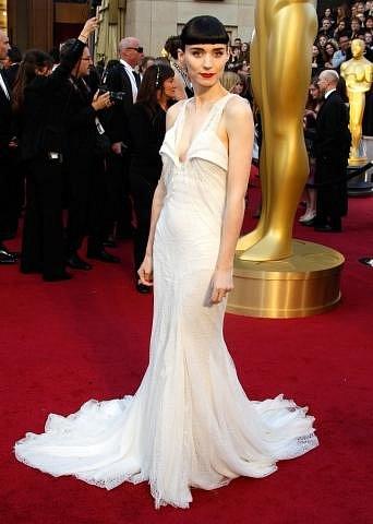 Rooney Mara v šatech Givenchy