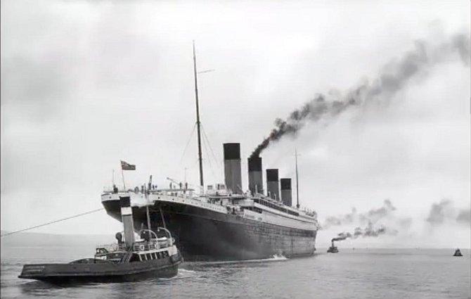 Poslední snímek Titanicu, před potopením