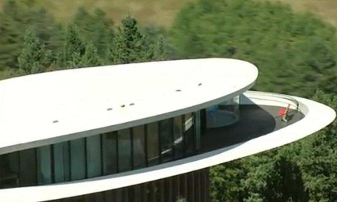 Dům postavený uprostřed hor nabízí neskonale nádherný výhled na okolní přírodu