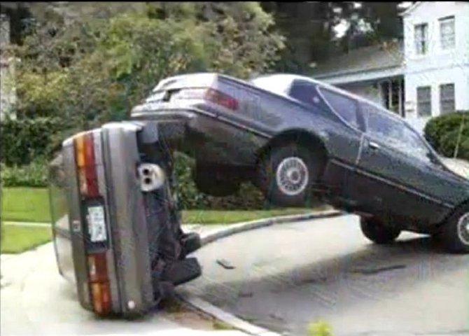 Kdo těmto lidem mohl dát řidičák?