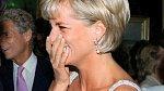 Princezna Diana s akvamarínovým prstenem.
