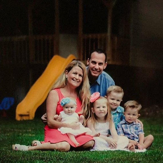 Rodina je už zase šťastná a v bezpečí.