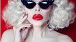 Amanda Lepore je americká modelka, zpěvačka a performerka.