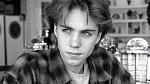 Jonathan Brandis - Dětská hvězda známá například ze snímku Nekonečný příběh prý neunesla uhasínající slávu. Brandis byl v sedmadvaceti letech nalezen mrtvý, oběsil se.