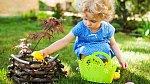 Děti jako všude jinde na světě hledají sladkosti a vajíčka.