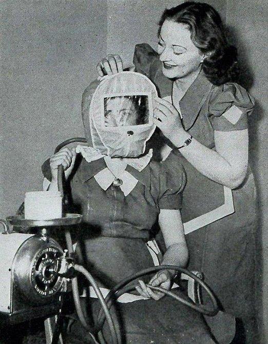 Tato maska zaručovala růžolící tvářičky.