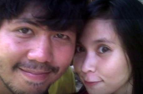 Tady byl ještě mladý japonský pár šťastný...