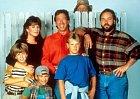 Jonathan Taylor - Thomas Jonathan se stal v devadesátých letech obrovskou hvězdou díky svému účinkování v seriálu Kutil Tim a dabování pohádek. Filmový svět ale v nejlepším opustil a vrhnul se na studium a cestování.