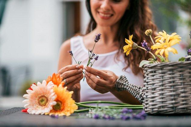 Floristky by měly mít zahradnické vzdělání, smysl pro detail a barvy.
