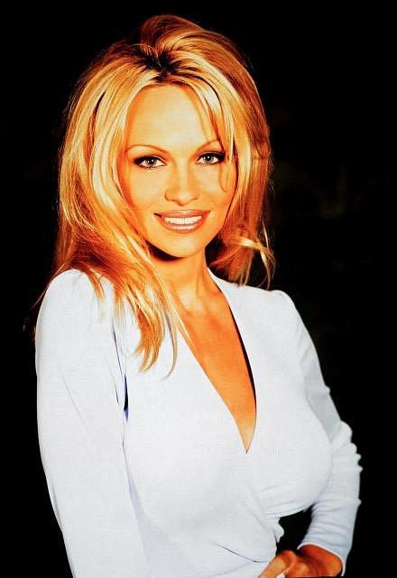 Rok 1999 a Pamela na začátku své kariéry.