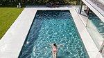 Během celého života vyprodukuje tělo tolik slin, že by to zaplnilo několik plaveckých bazénů.