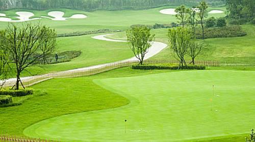 Je golf v ČR sportem pro každého?