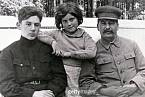 Světlana s otcem a bratrem Vasilijem. Bratr zemřel v pouhých 40 letech na následky alkoholismu.