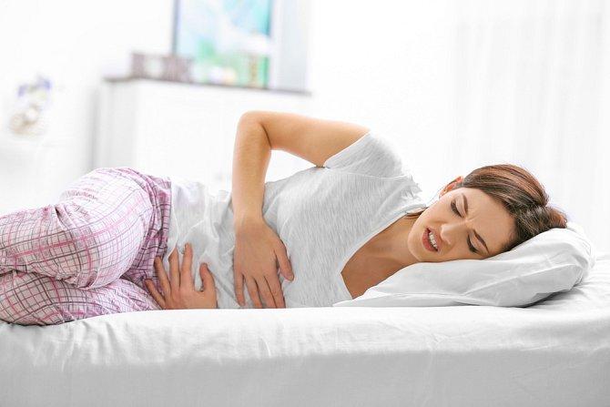 Bolesti v podbřišku není radno podceňovat.