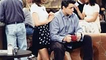 Gunther byl zamilovaný do Rachel. I když to byla servírka na baterky, nevyhodil ji.