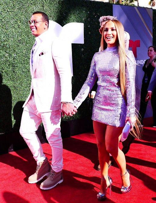 Jennifer Lopez s přítelem Alexem Rodriguezem v Cannes