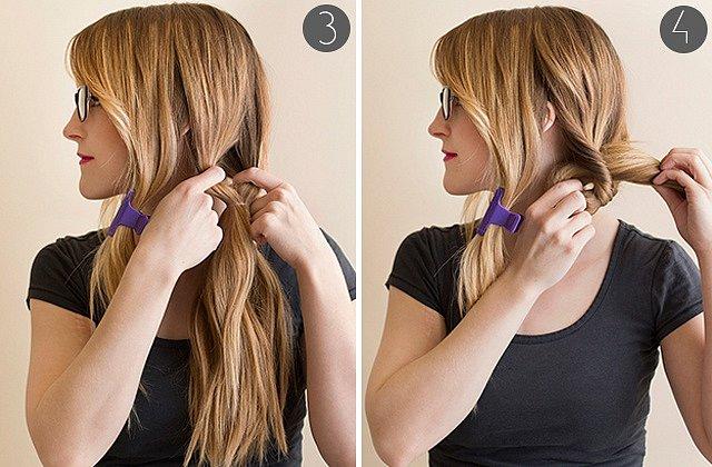Zbytek vlasů zafixujeme gumičkou (dál od hlavy) a nad ní rozdělíme na dvě poloviny. Vlasy pod sepnutím provlékneme vzniklým otvorem.