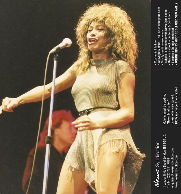 Obrovské bohaté háro bylo jedním ze symbolů rockové bohyně TINY TURNER. Svému stylu zůstala věrná dodnes.