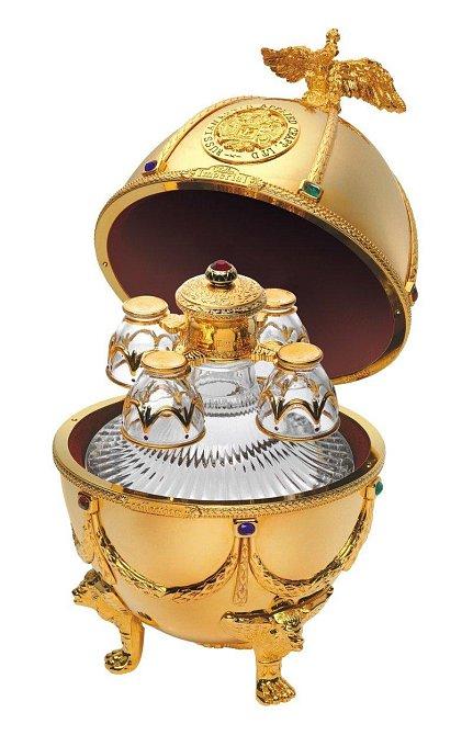Set na vodku ve tvaru vejce - 4 500 dolarů