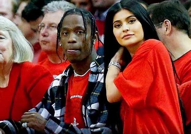 Kylie Jenner (20), nejmladší členka slavného klanu Kardashianů/Jennerů, by měla porodit už v únoru. S partnerem Travisem Scottem (25) se těší na holčičku. Zajímavostí je, že se Kylie zcela stáhla ze sociálních sítí, kde do odhalen...