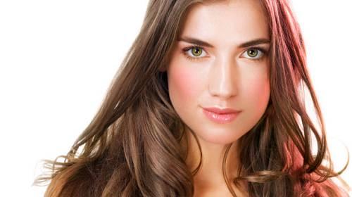 10 tipů, jak dostat vlasy zpět do formy